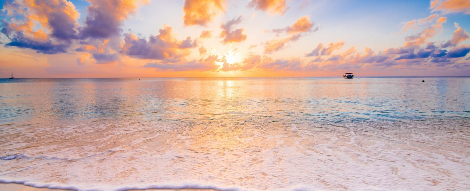 best place to watch the sunset in grand cayman
