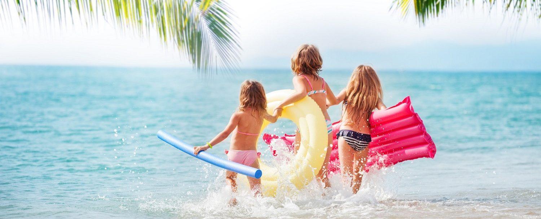 children enjoying their Spring Break on Grand Cayman